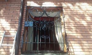 Кованая решетка с замком