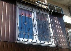 Кованые решетки на окно