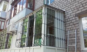 Решетка балкона выгнутая с прямой стороной