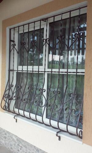 Решетка на окна луковица