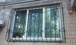 Решетка на окна выпуклая