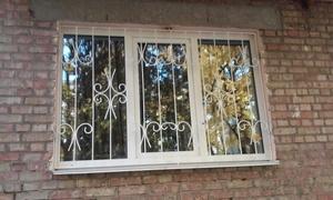 Решетка металлическая оконная с завитками